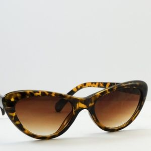 Accessories - Cat Eye Fashion Chic Sunglasses